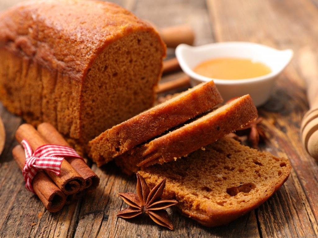 Un pain d'épices moelleux, et savoureux au miel du Périgord. Nous vous livrons tous nos petits secrets pour faire le meilleur pain d'épices maison.