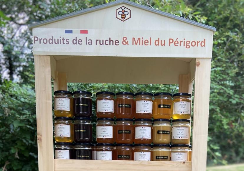Vous êtes une épicerie fine, un redistributeur, ou magasin spécialisé ? Apisphère propose une large gamme de Miel du Périgord, et un ensemble de produits autour du miel, dédiés aux épiceries fines, et magasins spécialisés. Vous souhaitez distribuer nos produits dans votre point de vente, et connaitre les offres dédiées aux professionnels ?